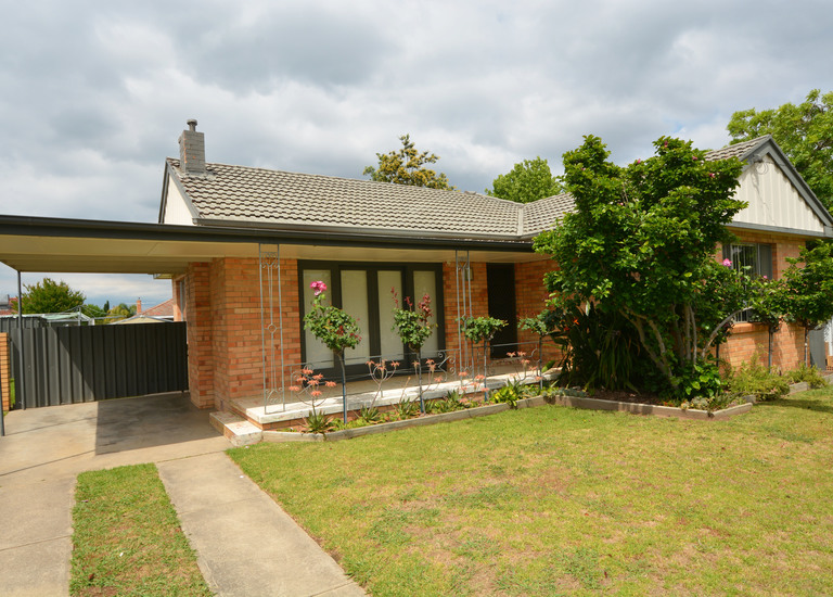 445  Union Road, North Albury