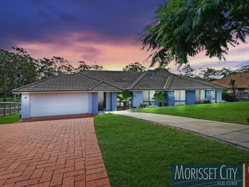 8 Ellenborough Drive, Cooranbong