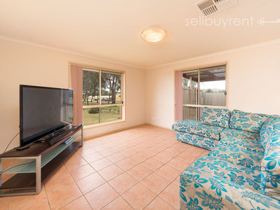 28 ALMURTA COURT, Springdale Heights