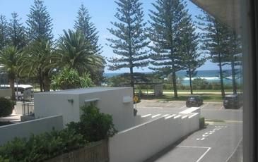 5 / 182 The Esplanade, Burleigh Heads