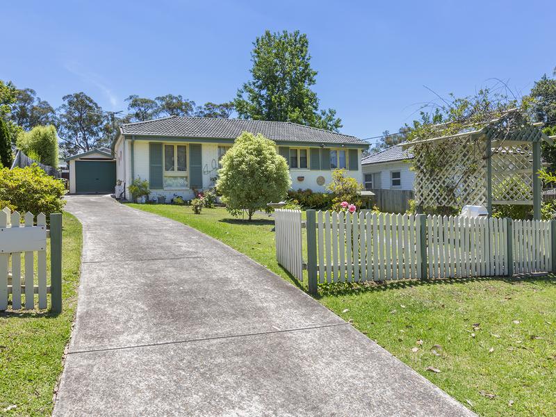 40 Reid Road, Winmalee