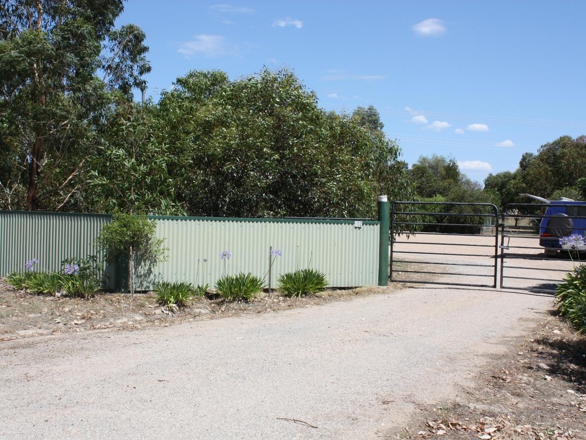 102 Saleyards Road, Benalla