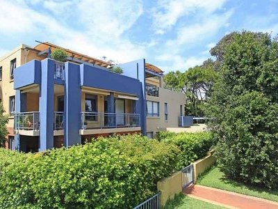 13 / 49 Foamcrest Avenue, Newport