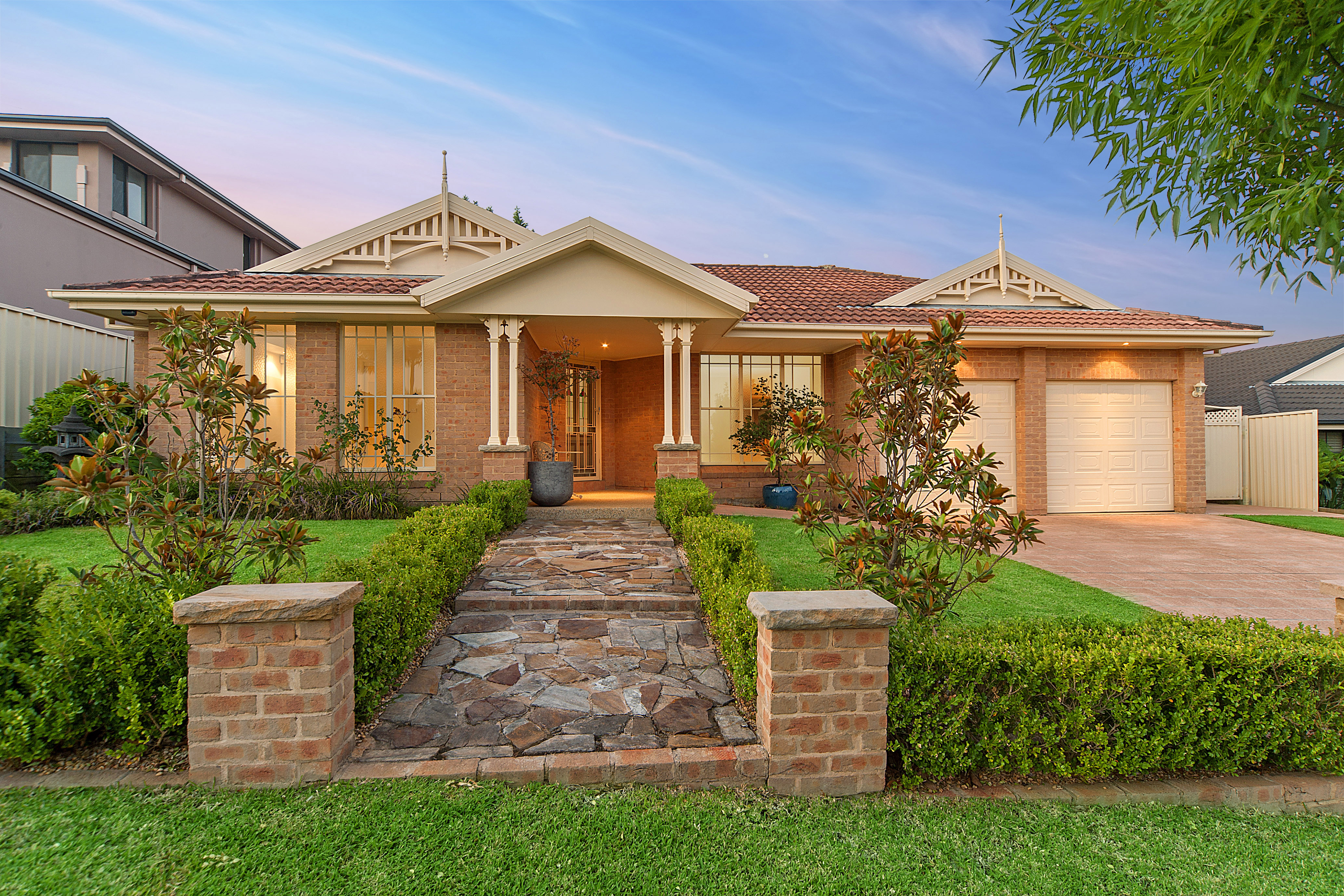 Sale of 54 Connaught Circuit Kellyville