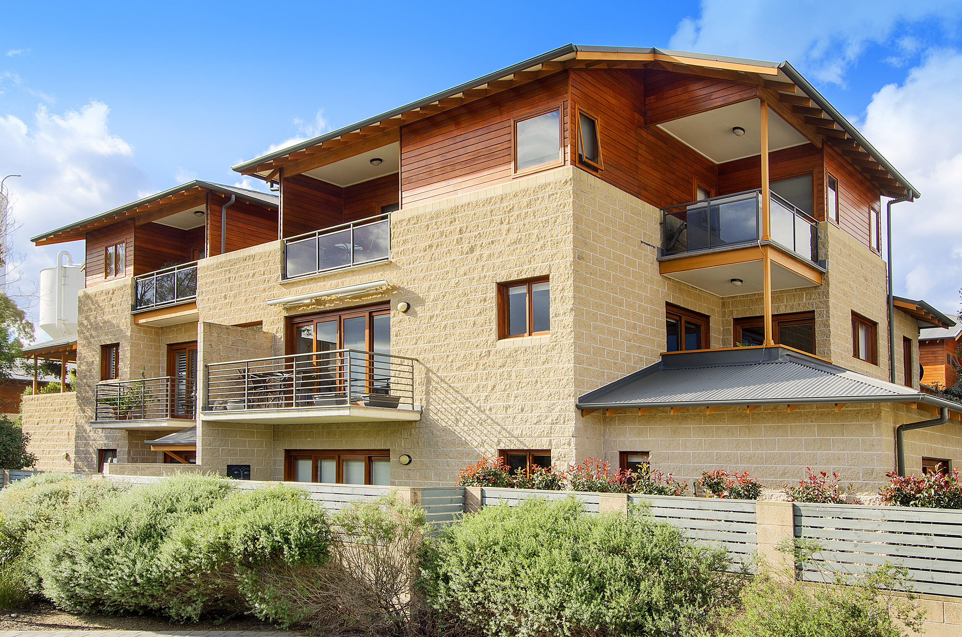 SALE OF UNIT 31, 78/86 WRIGHTS RD