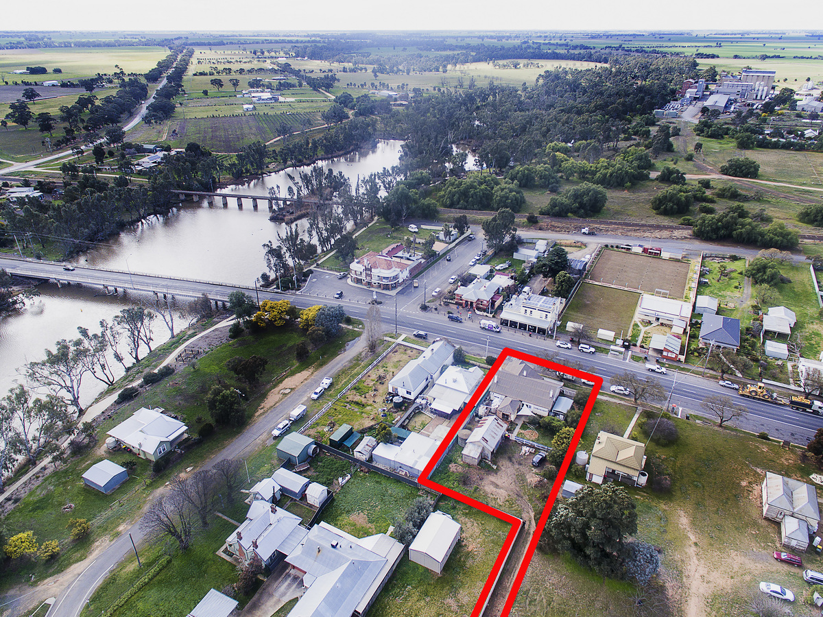 7 MAIN STREET, Bridgewater On Loddon