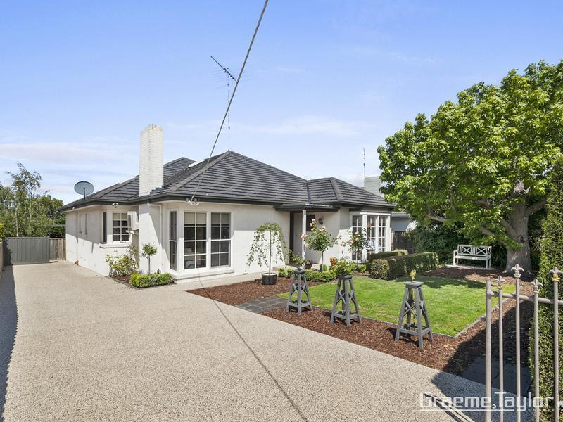 11 Fairmont Road, Newtown