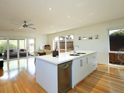 9 Anglesea Terrace, Geelong West