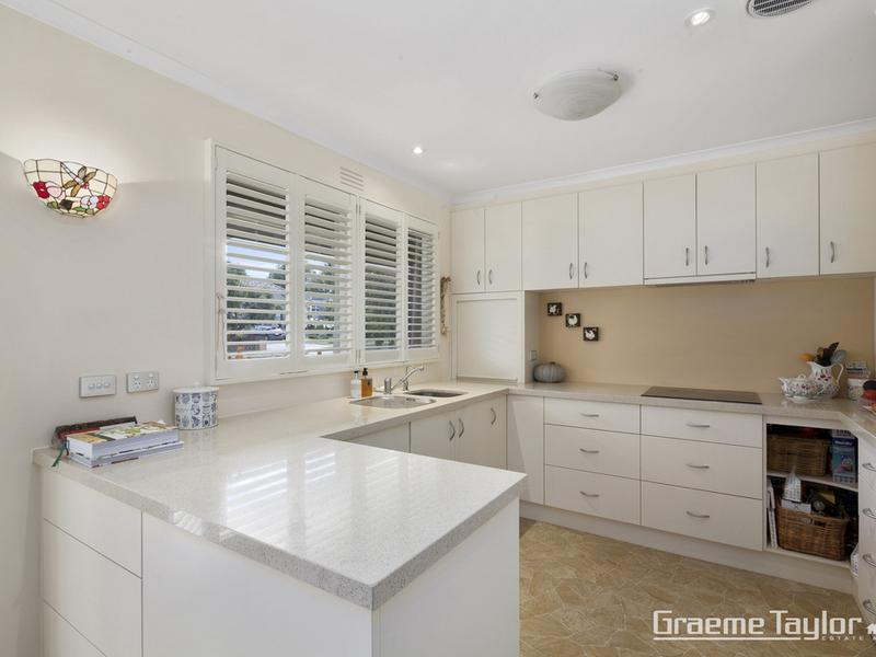 1 / 11 Gairloch Grove, Newtown