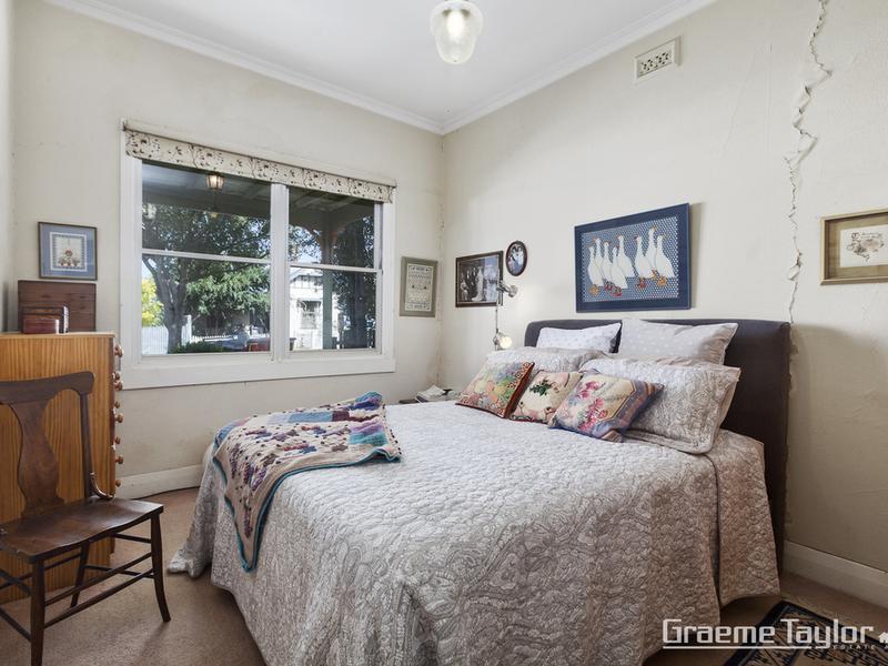 17 Thorne Street, East Geelong