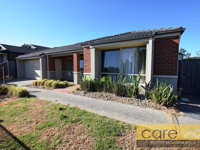 28 Baddeley Circuit, Cranbourne North