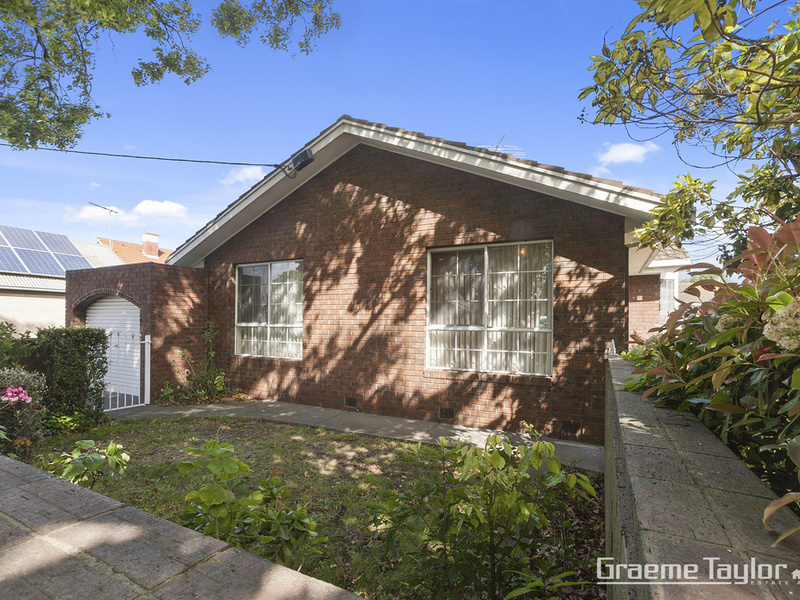 1 / 19 McMillan Avenue, Geelong