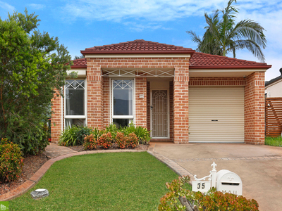 35 Timms Place, Horsley