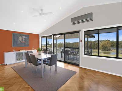 7 Lake Parade, East Corrimal