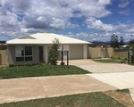 2 / 17 Jason Day Drive , Beaudesert