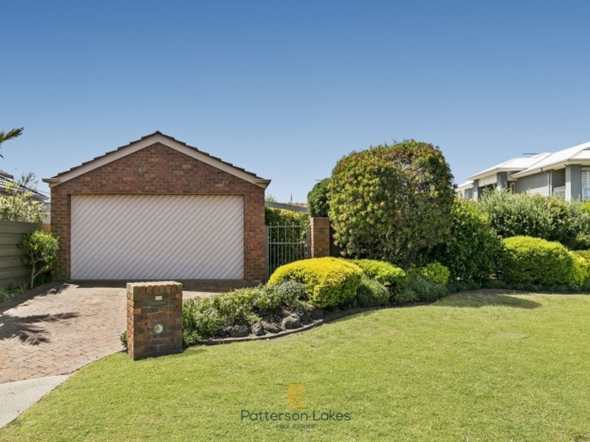 33 Snapper Point Drive, Patterson Lakes